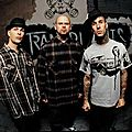 Travis barker feat transplants & slash - saturday night