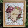 Susan G. (Cadre avec Fleurs en rubans et papier)
