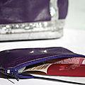 Trousse violette
