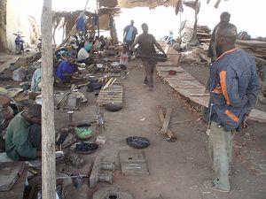 Forgerons et menuisiers Chantier Naval MOPTI Mali