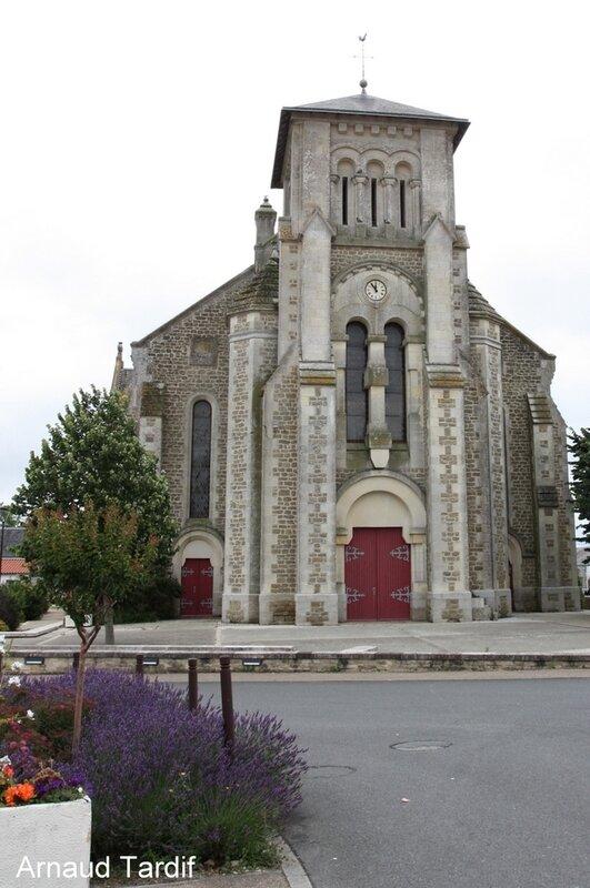 00881 Noirmoutier Juin 2020 - Les Marais Bretons Vendéens - L'église St Martin de Sallertaine
