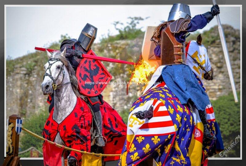 joutes équestre Cie Capalle fête médiévale du Château de Talmont en Vendée (4)
