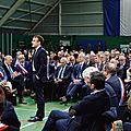 Emmanuel macron joue sa dernière carte politique devant une assemblee provinciale normande