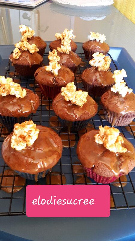 Cupcakes au chocolat, coulis de caramel au poivre du Sichuan 103