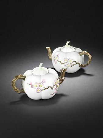A_rare_pair_of_famille_rose__melon__teapots_and_covers1