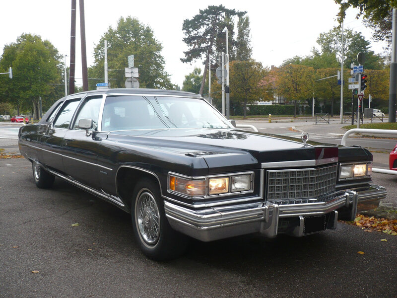 CADILLAC Fleetwood Series 75 4door Sedan 1976 Strasbourg (1)