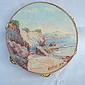 Ancien tambourin peint à la main paysage marin à hyères signé a. caumette et daté 1914 / tableau marine
