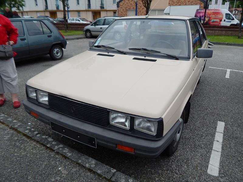 Renault11TL3Pav