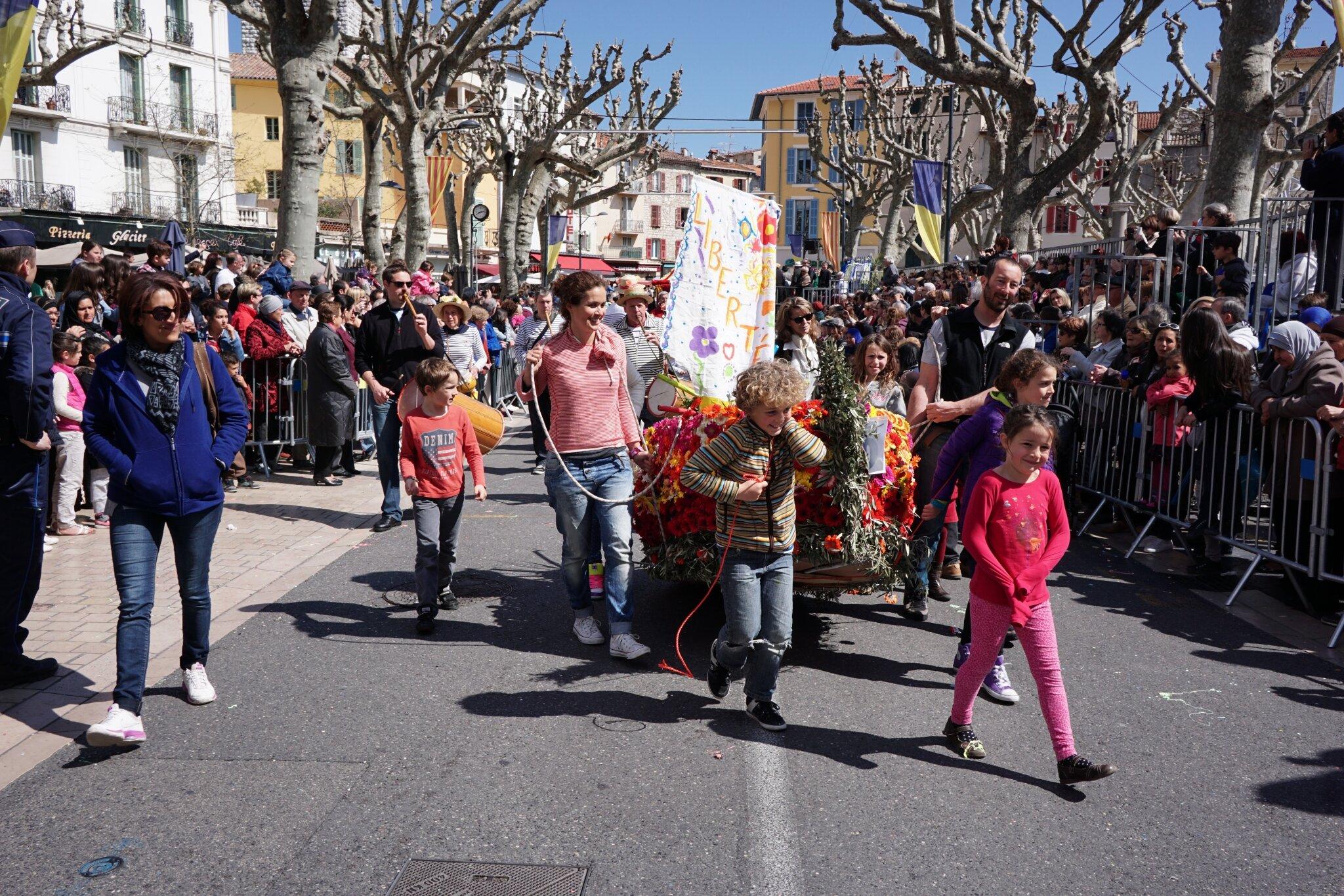 bataille-fleurs-vence-2015-79
