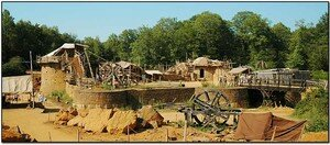 05b_guedelon_viewpano05