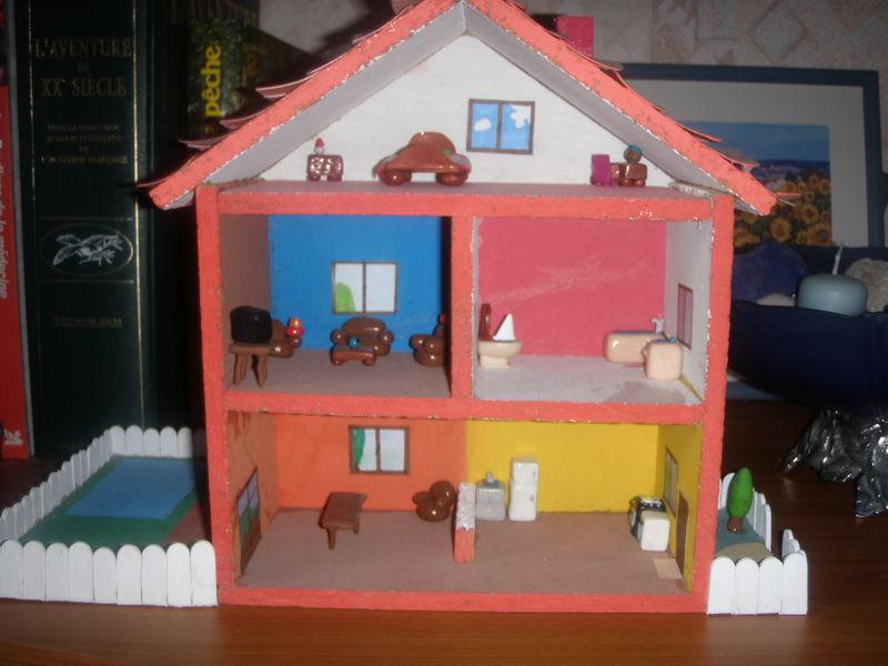 Ma première création miniature: la maison en pâte fimo - Les vitrines de Clément