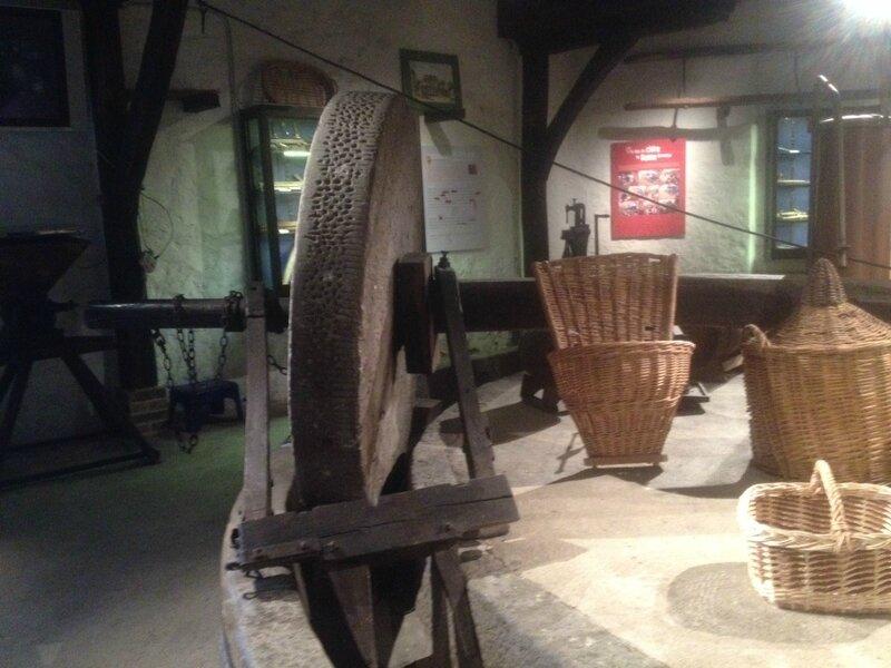 Musée Pommes Pressoir Beton Bazoches L