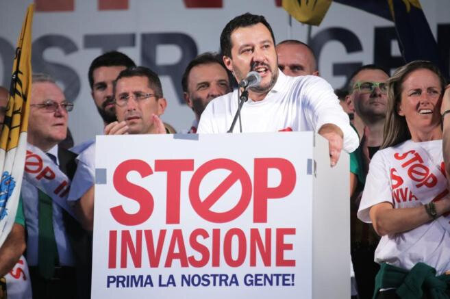 Mattéo Salvini tribune