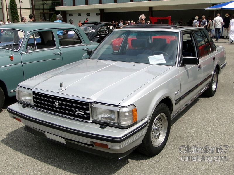 Toyota Crown S120 Royal Saloon 3
