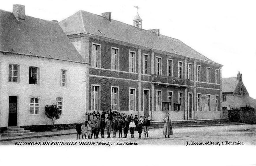 OHAIN-La Mairie et l'école