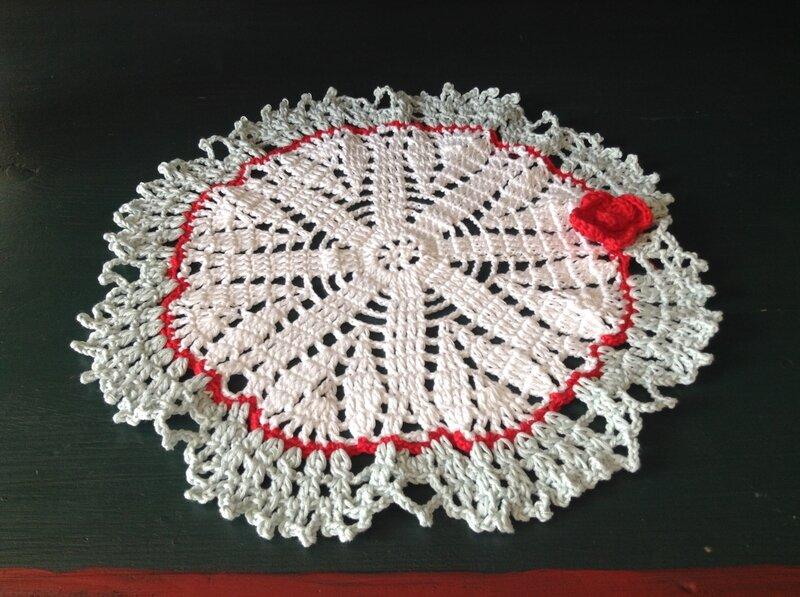 napperon crochet 3 couleurs