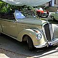 La mercedes 220 cabriolet (34ème internationales oldtimer meeting de baden-baden)