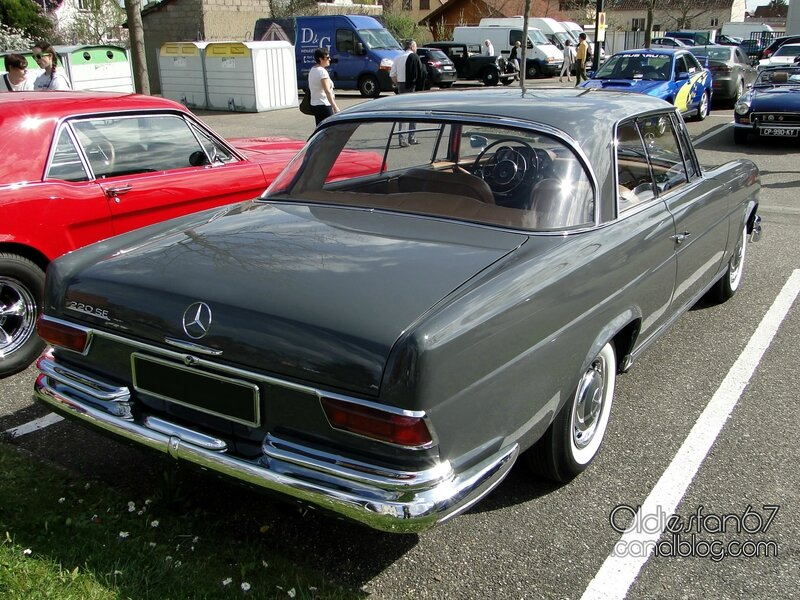 mercedes-220se-coupe-w111-1961-1965-02