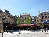 Le Bistrot Chez Rémy est attenant à l'attraction.