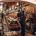 Michel-jack chasseuil et ses 40 000 bouteilles de vins rares du monde entier