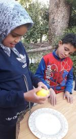 Mériem prépare un citron