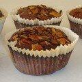 Brownies au croustillant d'amandes vs clafoutis pina-colada ou comment faire des merveilles avec du lait concentré