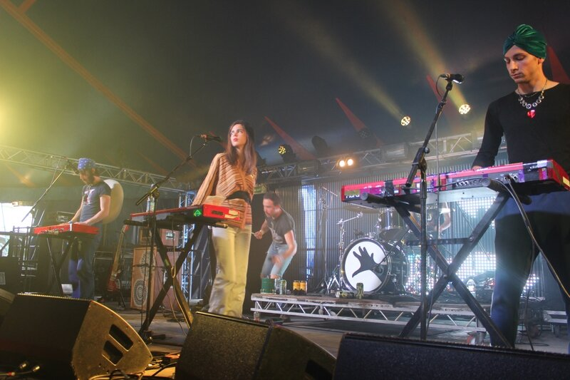 la Femme Glastonbury 2015