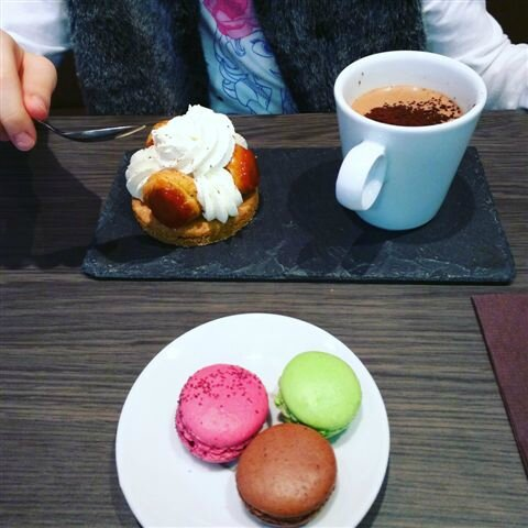 Afternoon tea entre filles ©Kid Friendly