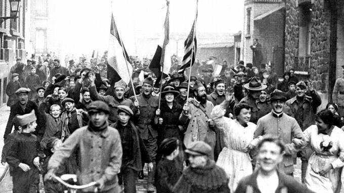 1918 11 12 scènes de liesse à Vincennes
