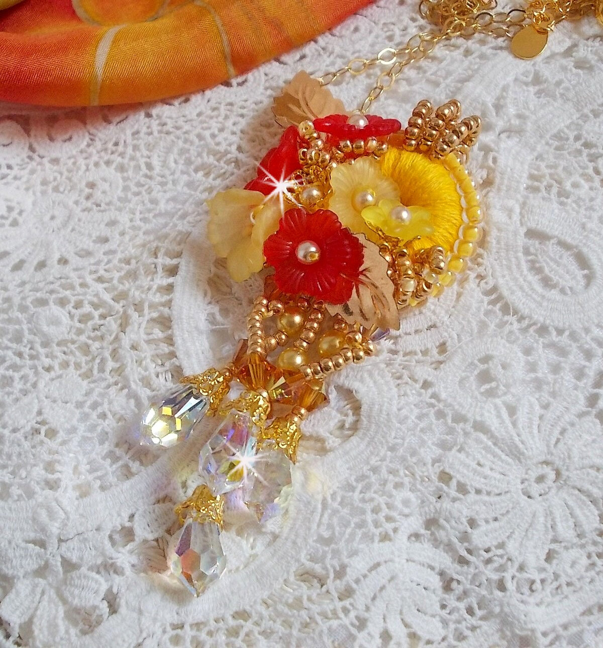 Collier pendentif Bouton d'Or