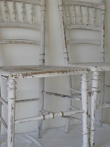 chaises_blanches_2_R