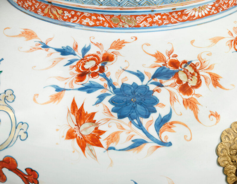 2019_CKS_17726_0051_003(a_pair_of_chinese_verte-imari_armorial_wine_coolers_for_the_portuguese)
