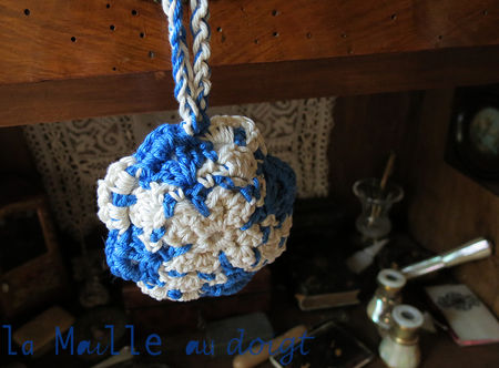 azulejos_pincushion_crochet_4
