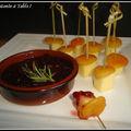 Cantal entre deux abricot moelleux au chutney de quetsches et cranberries au romarin en amuses-bouches
