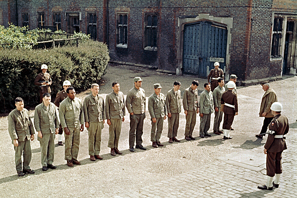 dirty_dozen_richard_jaeckel_telly_savalas_trini_lopez_jim_brown_donald_sutherland_ben_carruthers_charles_bronson_clint_walker_john_cassavetes_lee_marvin