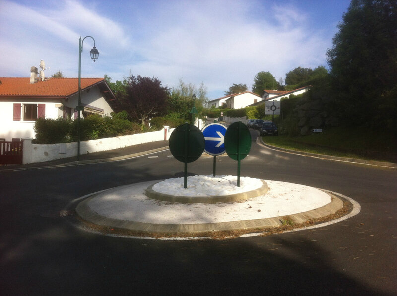 Mouguerre, rond-point (64)