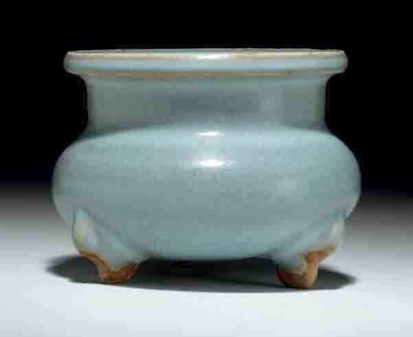 A Small Junyao Tripod Censer, Song-Jin Dynasty, 12th-13th Century
