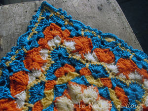 african_flower_in_progres_square_4