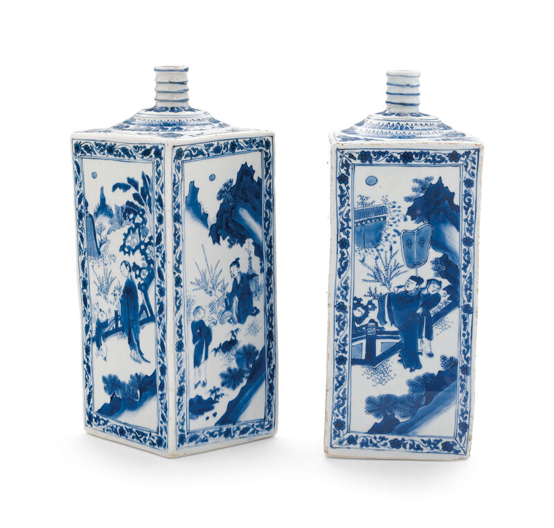 2019_NYR_16779_0332_000(a_pair_of_blue_and_white_gin_bottles_17th_century)
