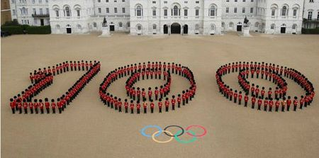 guardsmen-mark-100-days-to-go-at-horse-guards-parade
