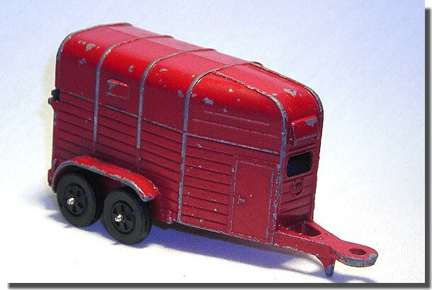 Corgi Rice Horsebox rouge (1)