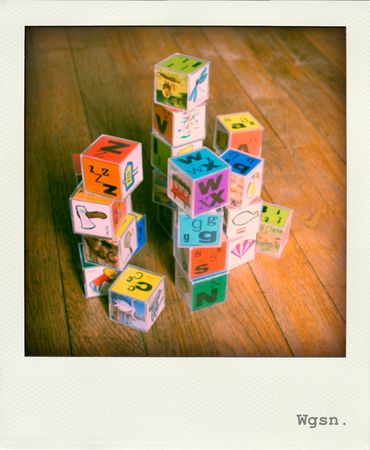 wgsn_cubes_seventies_1970s_blocks_abc_alphabet