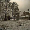 Une église sous la neige
