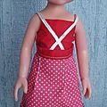 Encore un top hyper simple pour géorgie (poupée de 32-35 cm) et une jupe à plis