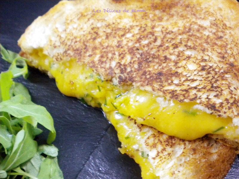 Grilled cheese au cheddar 2