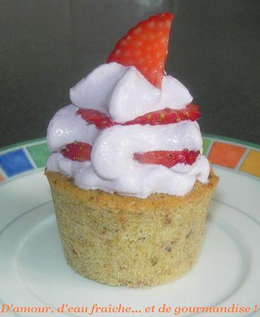 Cupcakes_pistache_violette___fraises_gp