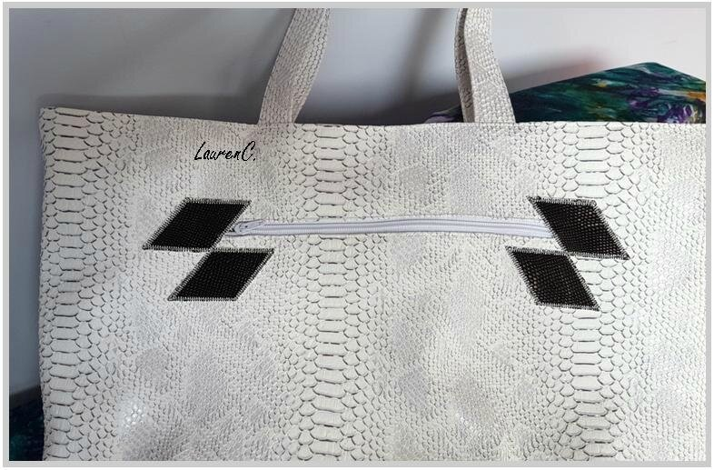 SAC SIMILI DRAGON BLANC VAGUES LOSANGES DOS
