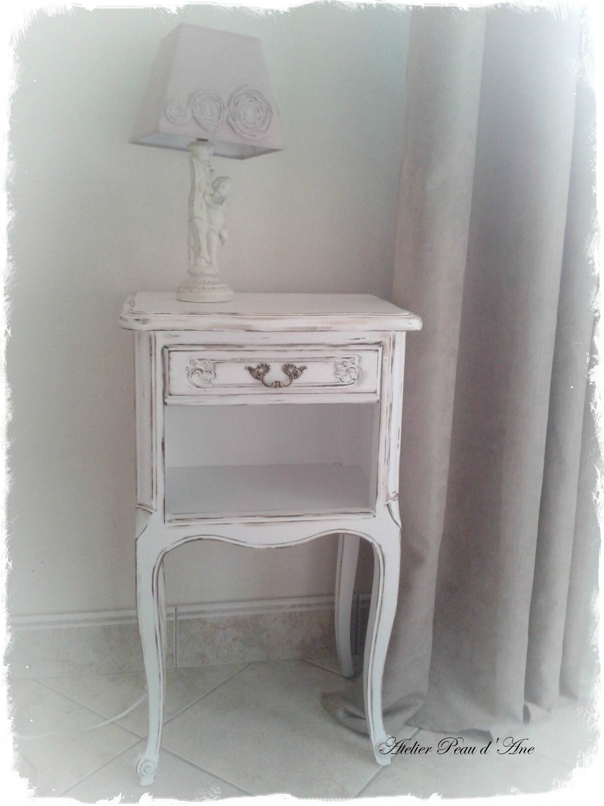 Table De Chevet Shabby Atelier Peau D Ane