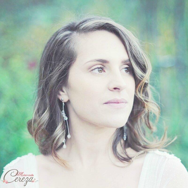 boucles-oreilles-mariee-pendentes-cristal-swarovski-personnalisable-transparent-perles-chic-bijoux-mariage-mademoiselle-cereza-deco-6