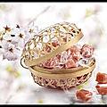 Caramel sakura à la fleur de cerisier - panier en bambou - henri le roux